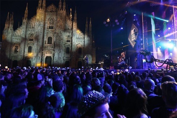 World Stage: EMA Piazza del...