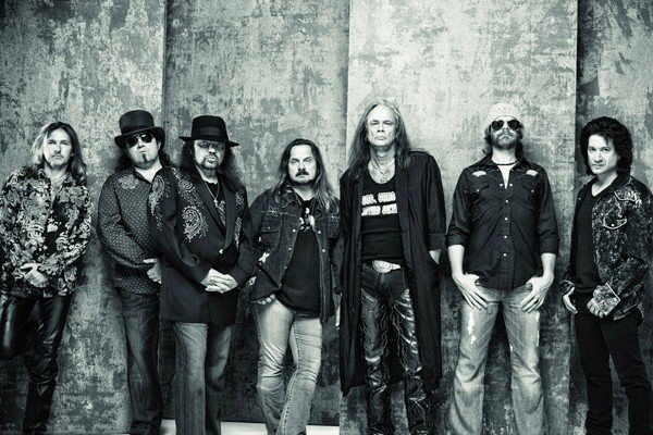 Lynyrd Skynyrd - Pronounced Leh-Nerd Skin-Nerd & Second Helping Live