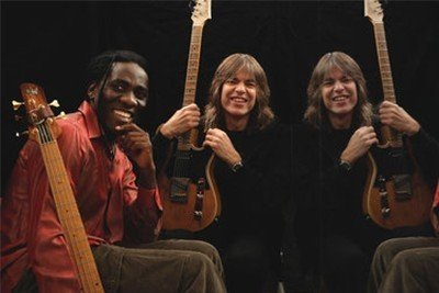 Mike Stern, Richard Bona & Dennis Chambers - Live in Paris